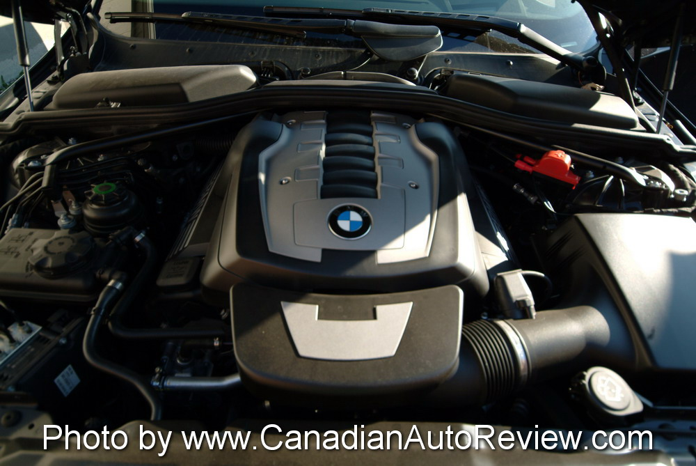 2008 BMW 550i Black v8 engine