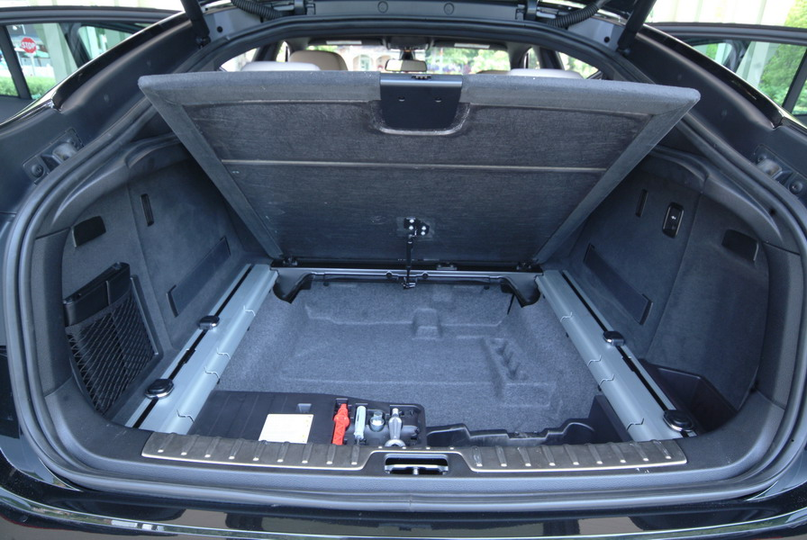 2008 BMW X6 xDrive35i Black trunk space storage