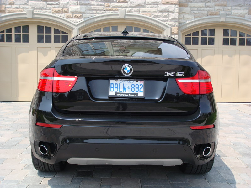 2008 BMW X6 xDrive35i Black rear exhausts