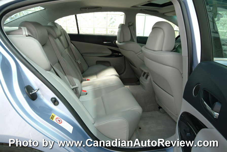 2008 Lexus GS450h Blue rear seat legroom