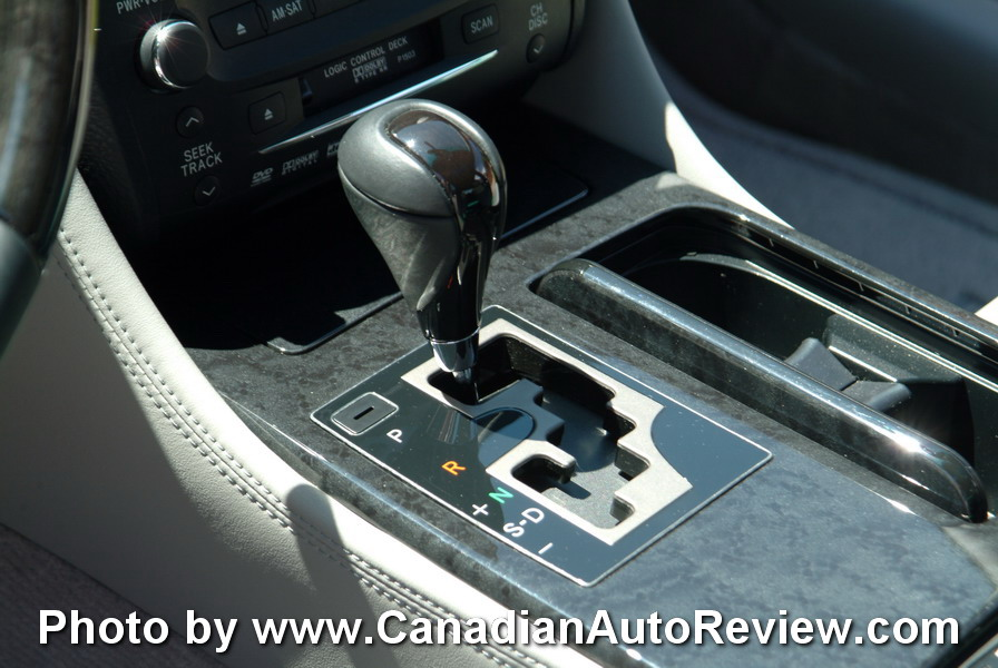 2008 Lexus GS450h Blue gear shifter