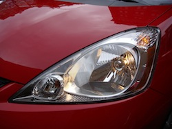 2009 Honda Fit Red headlights