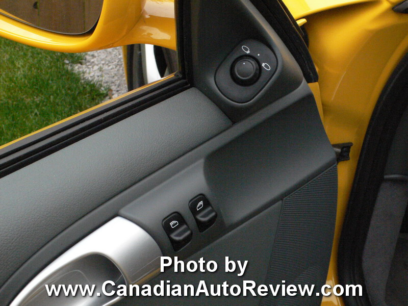 2009 Porsche Cayman Yellow door panel buttons