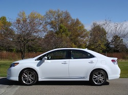2010 Lexus HS250h White side
