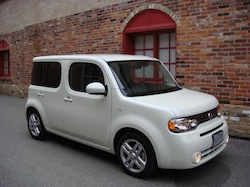 2010 Nissan Cube White
