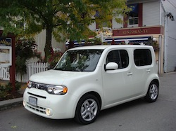 2010 Nissan Cube White front