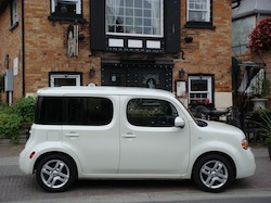 2010 Nissan Cube White side