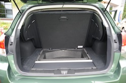 2010 Subaru Outback PZE Green trunk compartment