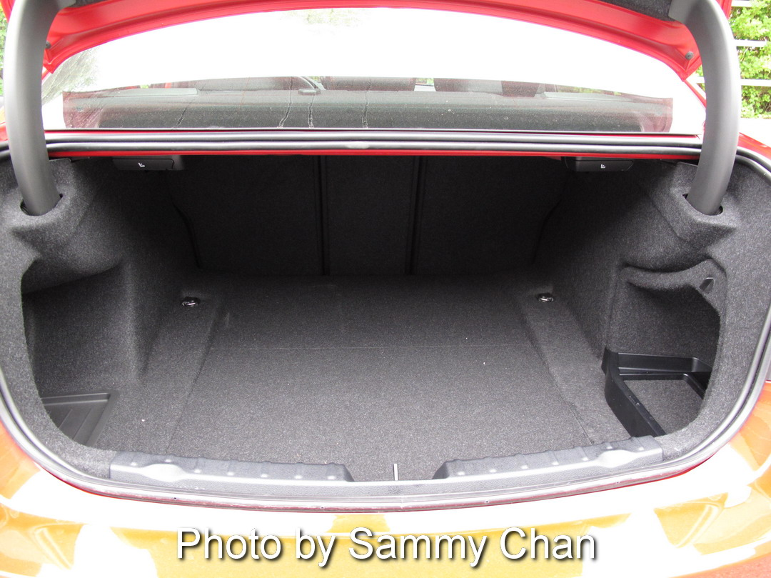 2013 BMW 328i Red trunk storage