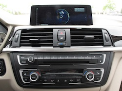 2013 BMW Activehybrid 3 Blue infotainment display