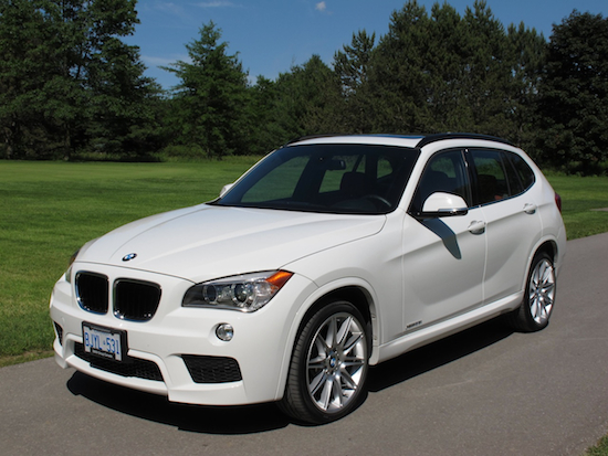 2013 BMW X1 xDrive35i M-Sport Alpine White front side view