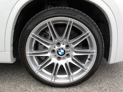 2013 BMW X1 xDrive35i M-Sport Alpine White 19 inch performance tires