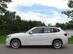 2013 BMW X1 xDrive35i M-Sport Alpine White side
