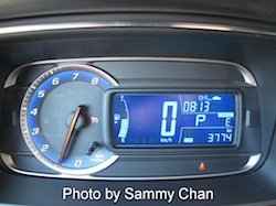 2013 Chevrolet Trax Gray tachometer gauges