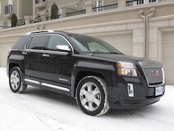 2013 GMC Terrain Denali snowing front side