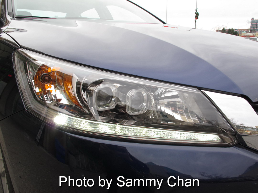 2013 Honda Accord V6 Touring Blue headlights off
