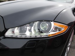 2013 Jaguar XJ 3.0L AWD Black front headlights