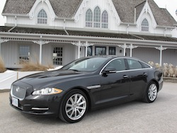 2013 Jaguar XJ 3.0L AWD Black front side view