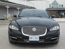 2013 Jaguar XJ 3.0L AWD Black front view badge grille