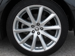 2013 Jaguar XJ 3.0L AWD Black wheels rims