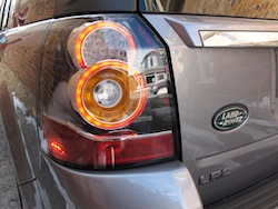 2013 Land Rover LR2 HSE Gray rear taillights on