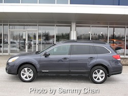 2013 Subaru Outback 3.6R Limited Gray side view