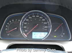 2013 Toyota RAV4 Red instrument cluster gauges