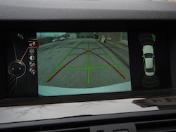 2014 寶馬 BMW 535d xDrive Metallic White rear view camera display