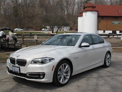 2014 寶馬 BMW 535d xDrive Metallic White farm front side view