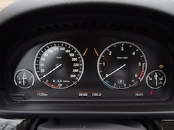 2014 寶馬 BMW 535d xDrive Metallic White instrument panel gauges