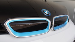 2014 BMW i3 Capparis White blue kidney grill accent