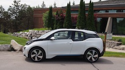 2014 BMW i3 Capparis White side view closed