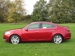 2014 Buick Regal Red side
