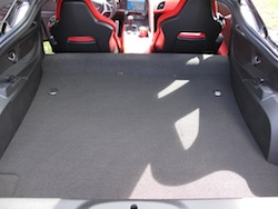 2014 Chevrolet Corvette C7 Stingray Red trunk storage space