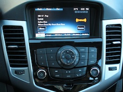 2014 Chevrolet Cruze Diesel Black infotainment navigation controls