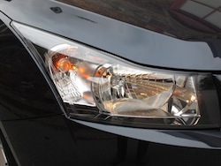 2014 Chevrolet Cruze Diesel Black front headlights