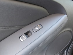 2014 Kia Cadenza black door controls with heated seats