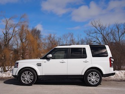 2014 Land Rover LR4 HSE white side view