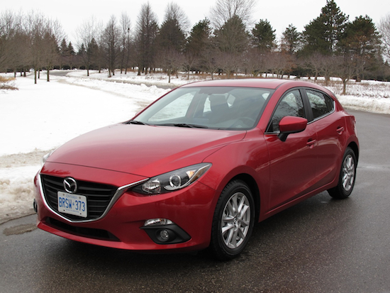 2014 萬事得 Mazda3 Sport GS Red front side view