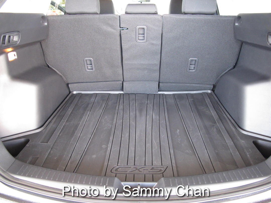 2014 Mazda CX-5 GS AWD grey trunk space view