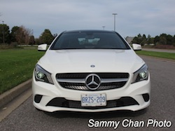 2014 Mercedes-Benz CLA250 White front view headlights