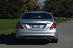 2014 Mercedes-Benz S550 Silver rear view grass with exhausts