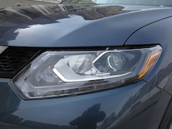 2014 Nissan Rogue SL AWD front head lights