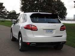 2014 Porsche Cayenne Diesel White rear side view badge exhausts