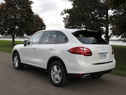 2014 Porsche Cayenne Diesel White rear side view