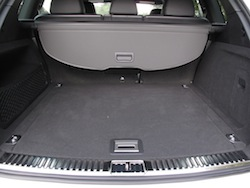 2014 Porsche Cayenne Diesel White rear storage space room