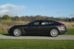 2014 Porsche Panamera S E-Hybrid Black side view of rims wheels