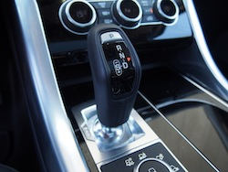 2014 Range Rover Sport V8 Supercharged Indus Silver gear shifter