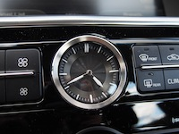 2015 Kia K900 V8 Elite clock