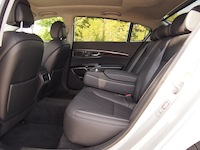 2015 Kia K900 V8 Elite rear seats legroom